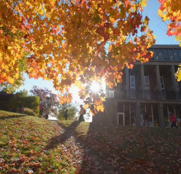 Kent is filled with beautiful sights that turn into an abundance of colors once autumn arrives. Here's 10 reasons that we love fall at Kent State.