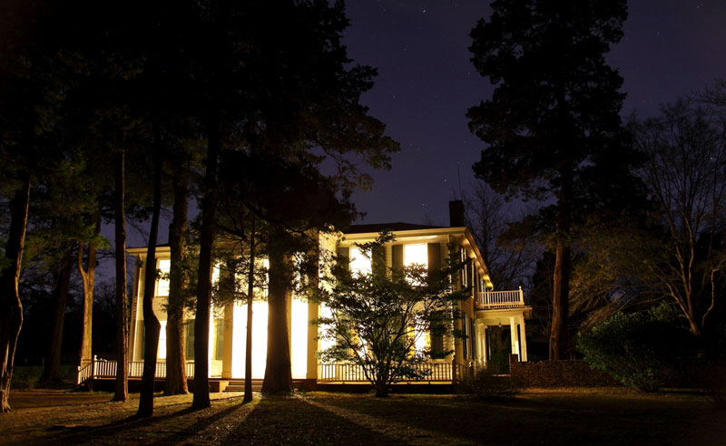 Halloween is upon us and what better way to celebrate than to visit some super creepy haunted places! Keep reading for 5 haunted places in Mississippi!