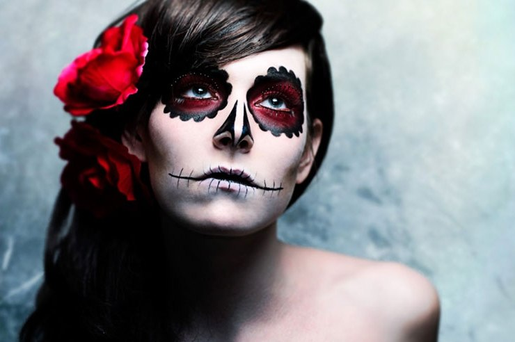 Get spooky - and sparkly - with these 5 fun Halloween makeup tips, which are sure to take your costume to the next level this year!