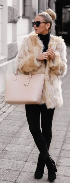 fur coats are the perfect fall fashion item!