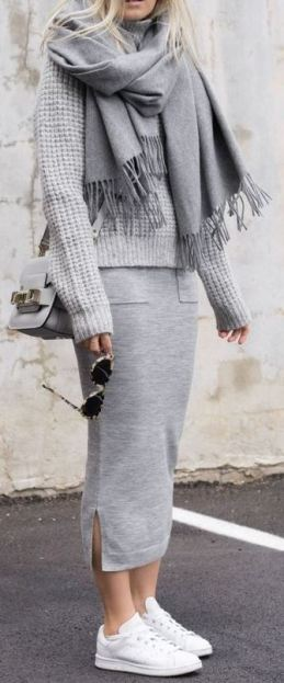 This cozy grey outfit with the white sneakers is so cute for winter