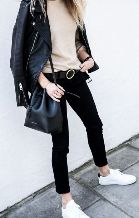 Bucket bags are definitely fall fashion must haves!