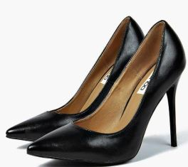 black-pointed-toe-heels