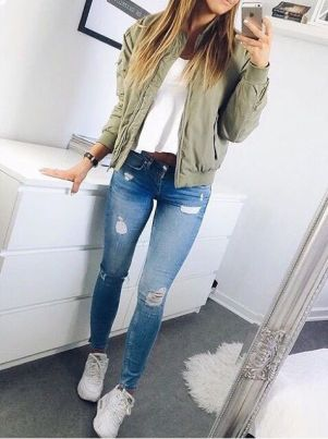 Bomber jackets are the perfect fall fashion trend!