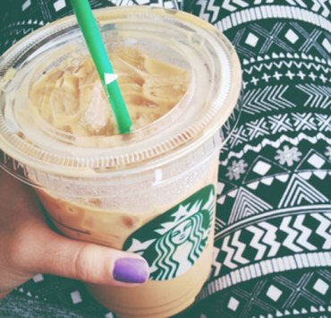 From the pumpkin spice lattes to peppermint mocha lattes and breakfast sandwiches, here is your guide for ordering healthy at Starbucks with less calories!