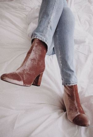 These velvet boots are perfect for fall boot outfits!