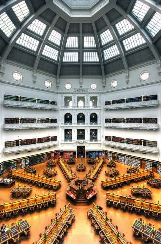 Get to know the reading room during your first year at La Trobe University!