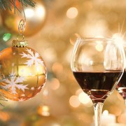 For the wine enthusiasts in your life, you will definitely want to check out these 25 gifts for people obsessed with wine!