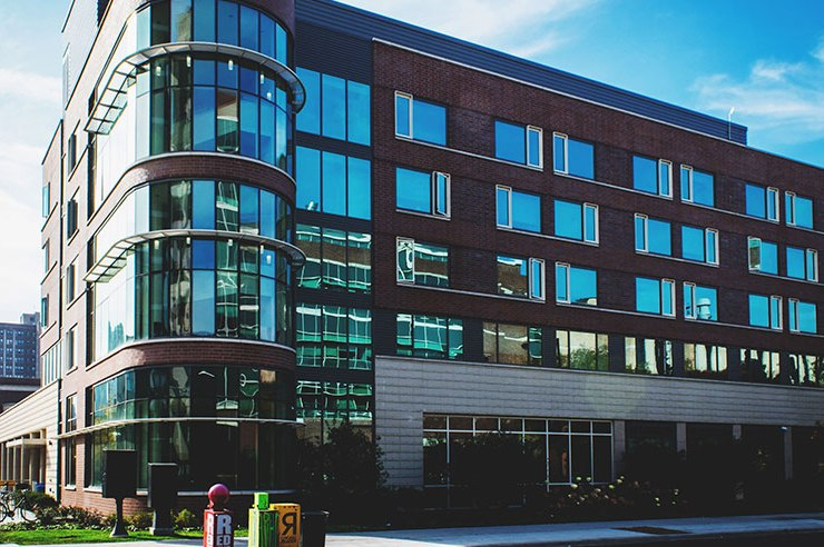 Are you trying to find what the best dorms at Loyola University Chicago are? With different styles, you're sure to find the right dorm for you on this list!