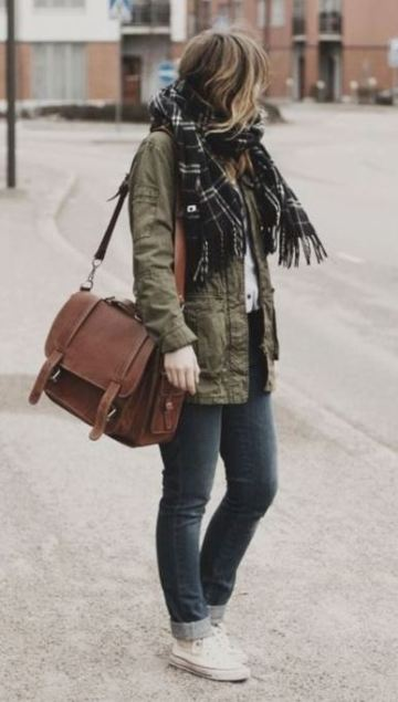 I love this messenger tote satchel bag!