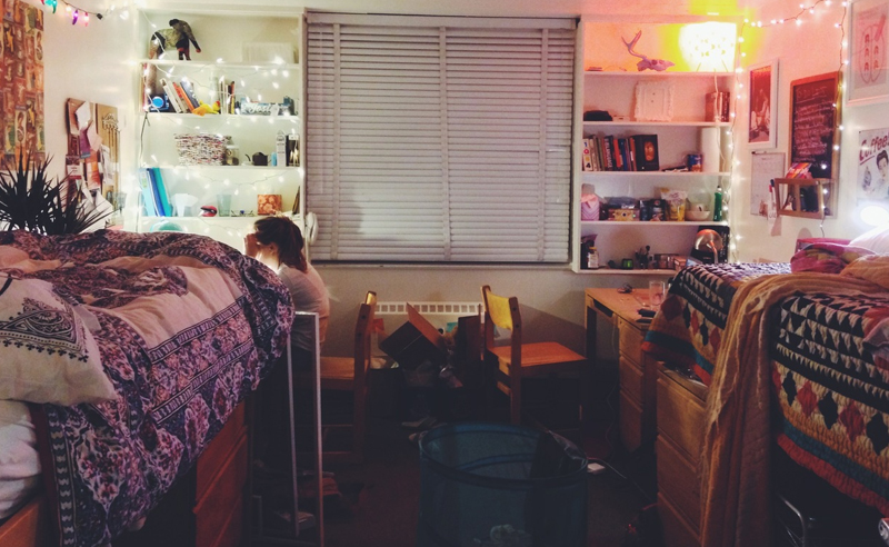 Moving into the Plymouth state dorms can be an exhausting day. Make sure you know what to bring and what not to bring before move in day at PSU!