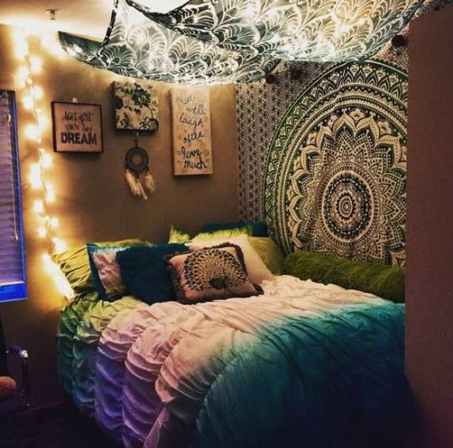 This cute dorm room is so amazing!