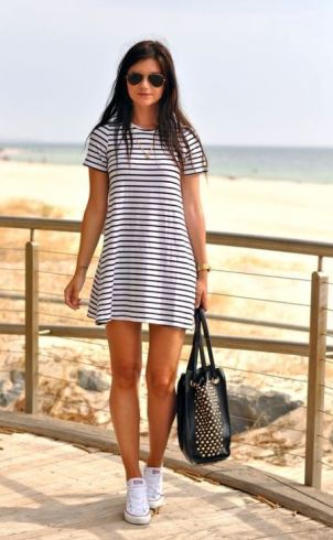 I love this t shirt dress spring outfit!