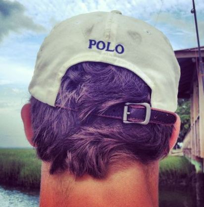 I love when guys wear baseball caps!
