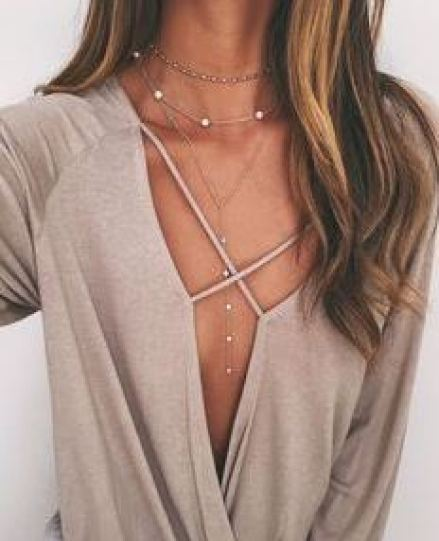 One of the sexiest ways to wear chokers with your outfit!