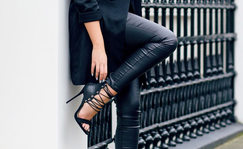 fdf092f4278 20 Ways To Wear Leather Leggings With Your Outfit - Society19