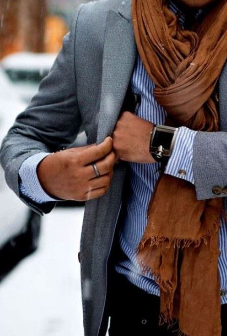 I love when guys wear scarves!