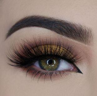 I love Velour fake lashes!