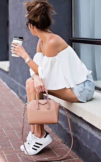 Ruffle off the shoulder tops are cute summer outfits!