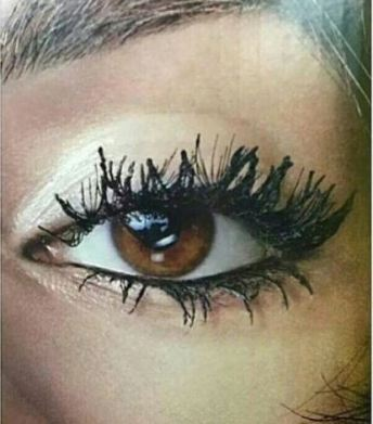 Eyelash breakage are reasons why you should take your makeup off before bed!