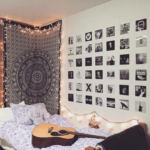 Adding Lights To Simple Decor Are Great Ways To Decorate Your Dorm Room! Part 28