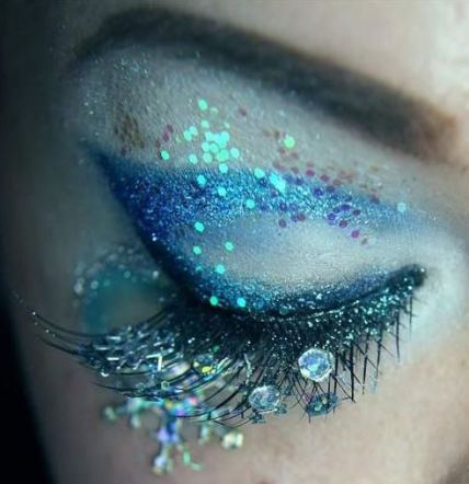 mermaid inspired makeup looks are among the top makeup trends for 2017!