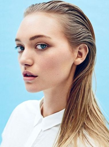 The wet look is one of the top hairstyle trends and is simple to do!