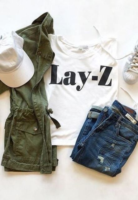 Graphic t-shirts are awesome for putting together cute outfits for school!