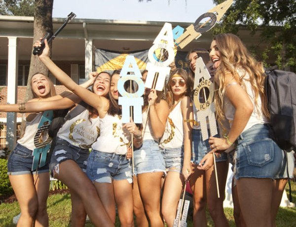 Are you preparing for sorority recruitment at the University of Florida? We have the ultimate step by step guide for a perfect recruitment at UF!