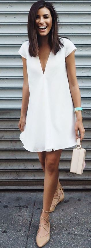 This outfit is perfect for if you are wondering what to wear for graduation!