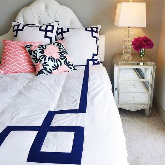 Florals are perfect for preppy dorm rooms!