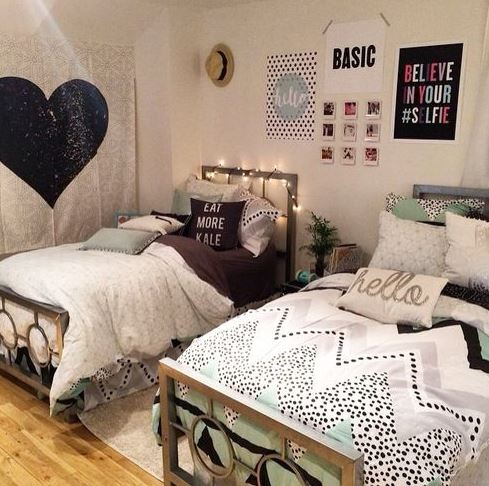 Picking a color scheme is a cute way to decorate your dorm room!