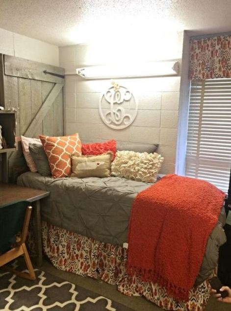 21 dorm bedding ideas by color society19 for Cute bedroom ideas for college girls