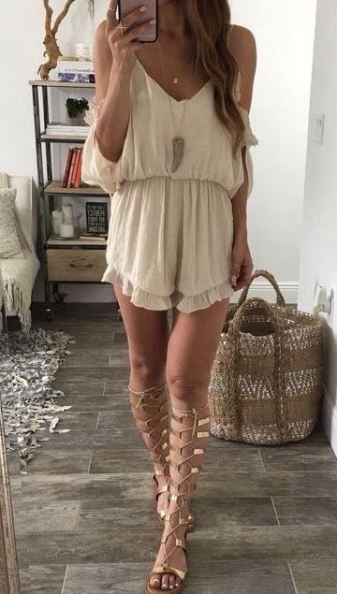1d3bfc36e18 15 Gladiator Sandals Outfits You Need To Try - Society19
