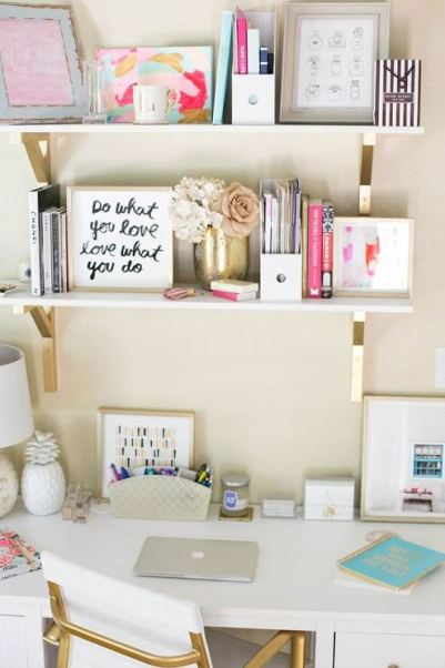 Cute desk decor is important in preppy dorm rooms!