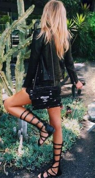 This outfit looks so cute with these gladiator sandals!