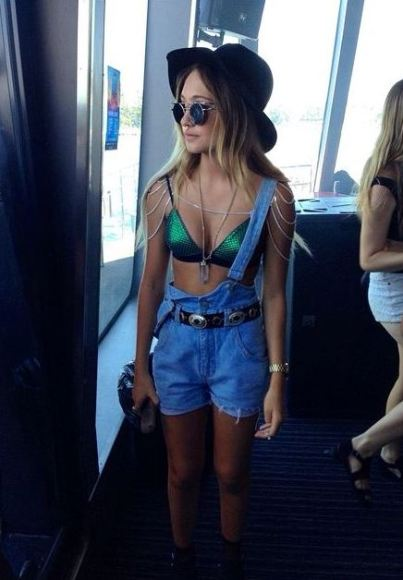 Overalls are perfect for festival outfits!