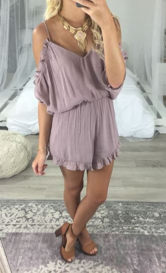 This romper is perfect for if you are wondering what to wear for graduation!