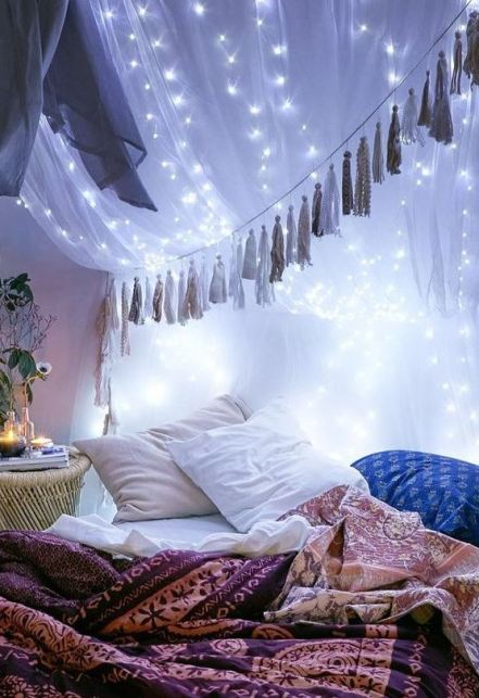 Hanging tassel or garland is a cute way to decorate your dorm room!