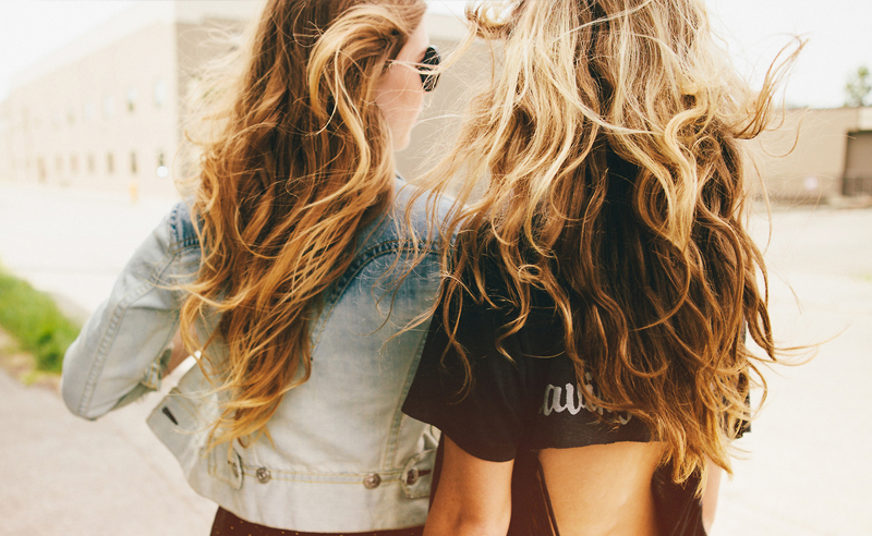 Tricks to take care of your hair if you're wondering how to make your hair grow longer. These tips will help you grow your hair longer and get healthy!