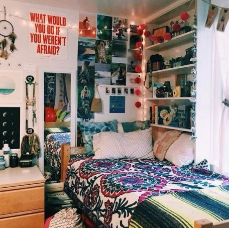 Fun bold colors look awesome in boho dorm rooms!