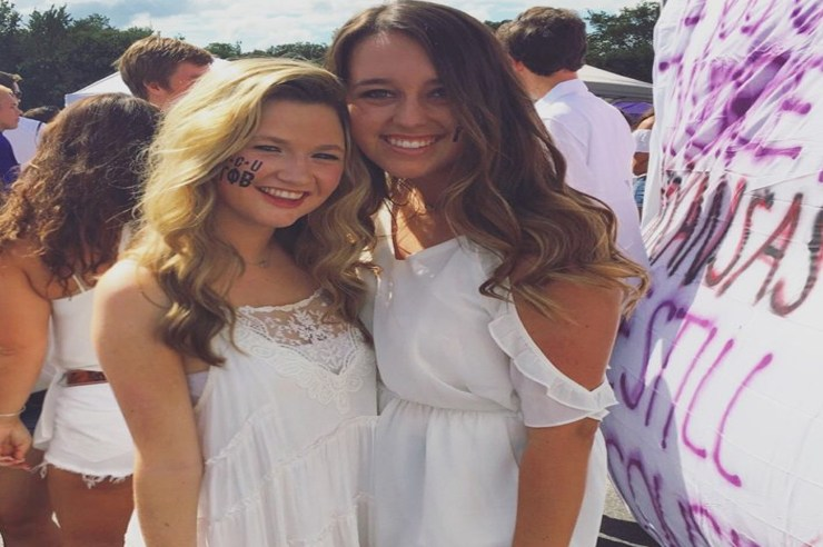 There are so many different ways to look cute for gameday, always including cowboy boots. Here are the cutest gameday outfits at Texas Christian university!