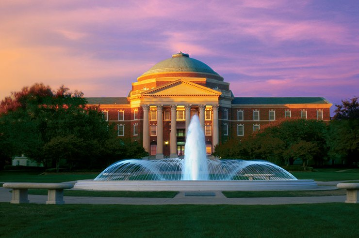 How does one describe this country club with classes? I'll let these 10 GIFs describe what it's like to be a student at Southern Methodist University.