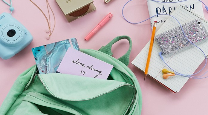 Figuring out what to pack and what to leave home can be stressful and exhausting. So, we put together the dorm room essentials checklist to go through!