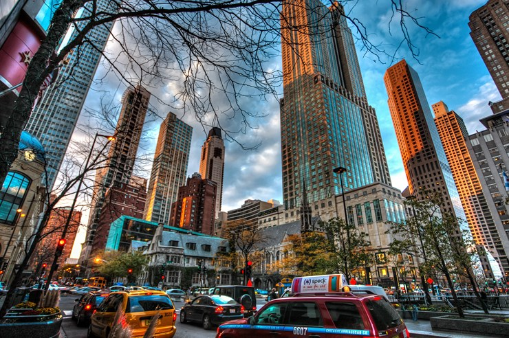 From the Mag Mile and the Lincoln Park Zoo to Oz Park and Lake Michigan, these are the best free things to do around DePaul University in Chicago, Illinois!