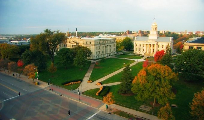 There are no best dorms because everyone seeks different qualities in dorms. Here is the ultimate ranking of freshman dorms at the University of Iowa!