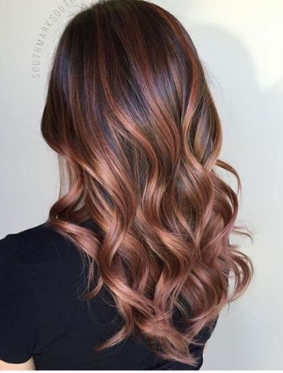 Rose gold is so pretty for brunette ombre hairstyles!