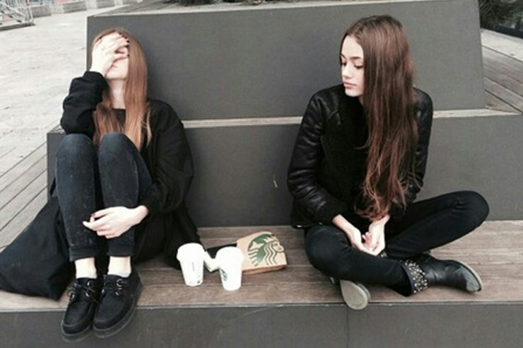 There are certain ways to tell the difference between real friends and fake friends. Here are some tell tale signs you might have a fake friend!