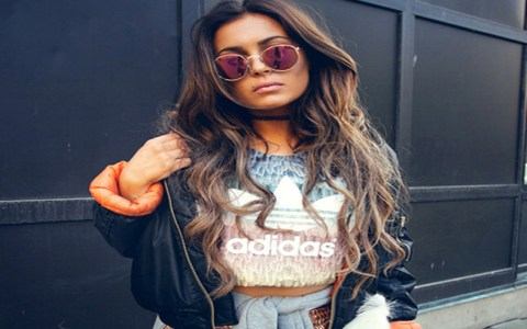 A bomber jacket is a staple piece to have in your closet, no matter what the season is! These are the top cute and trendy ways to wear bomber jacket outfits