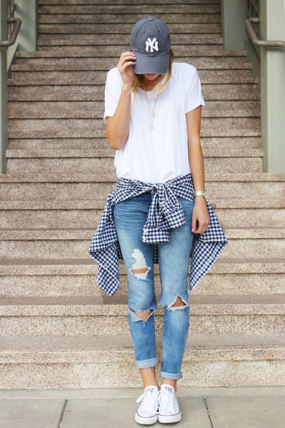 You'll definitely want to copy this sporty gingham outfit!